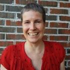 Astrid Hesselberg er 1.sopran og liker å synge i RT fordi dirigenten har en usedvanlig pen sløyfe. Noen må dessuten ta seg av rollen som korets diva!